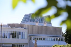 Kuvassa on osa museorakennusta.