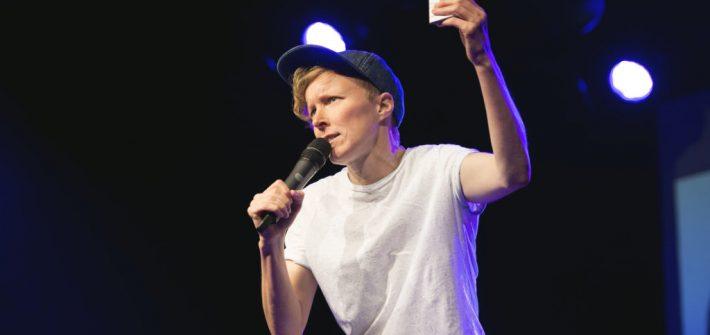 Pernilla Hammargren ger ståuppkomik